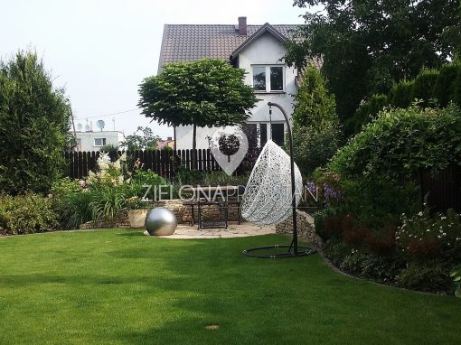 Ogród z krętą ścieżką