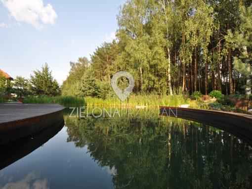 Ogród ze stawem kąpielowym